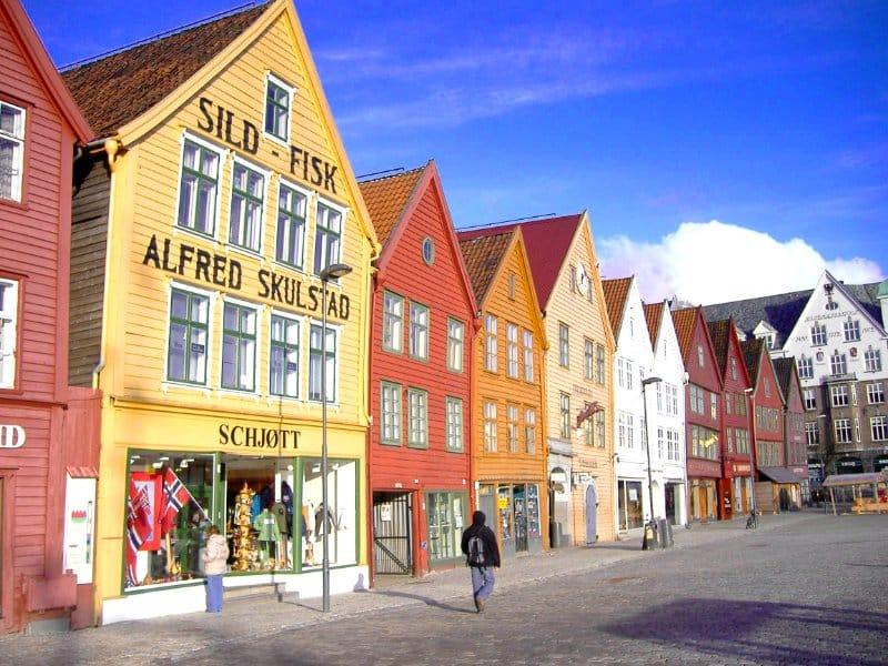 Motorradreise Nordkap ungefuehrt Architektur 3