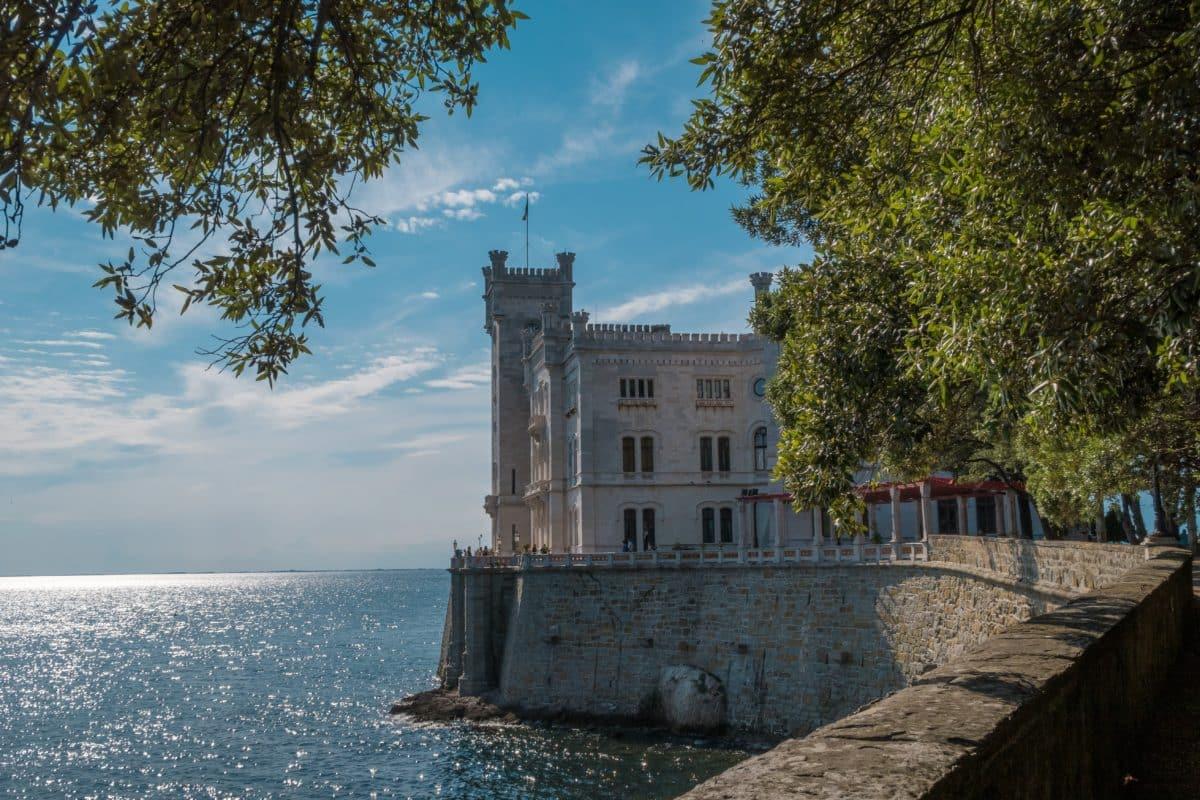 miramare castle 4357440 pixabay